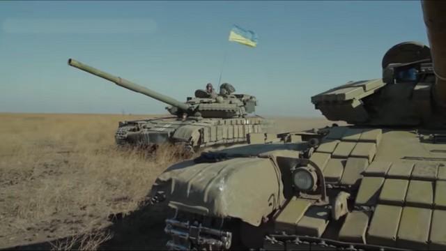Велетенський тризуб із танків та БМП